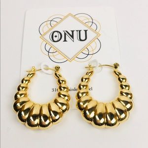 Scalloped Hoops Earrings Gold Plated Steel